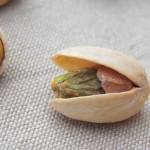 une pistache ouverte