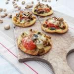 mini pizza aux legumes grilles au pesto de pistaches