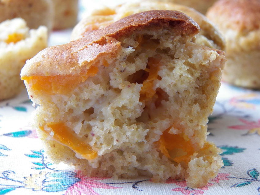 Muffins pistaches, chocolat blanc et abricots
