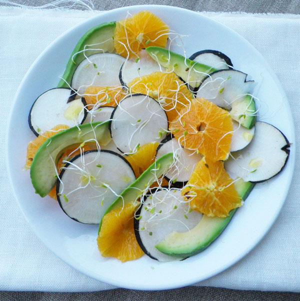 salade aux radis noirs oranges avocats vinaigrette au jus d 39 orange cocotte et. Black Bedroom Furniture Sets. Home Design Ideas